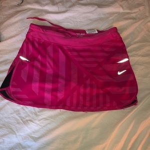 Ladies Nike skirt size small